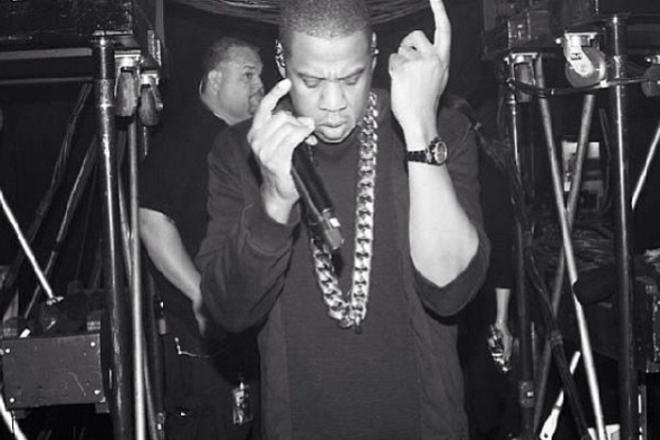 Jay Z решил подать в суд на блогера за deepfake
